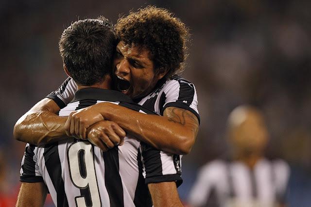 Willian Arão brilhou menos que Navarro, mas também deixou sua marca na goleada (foto: Vitor Silva/SS Press)