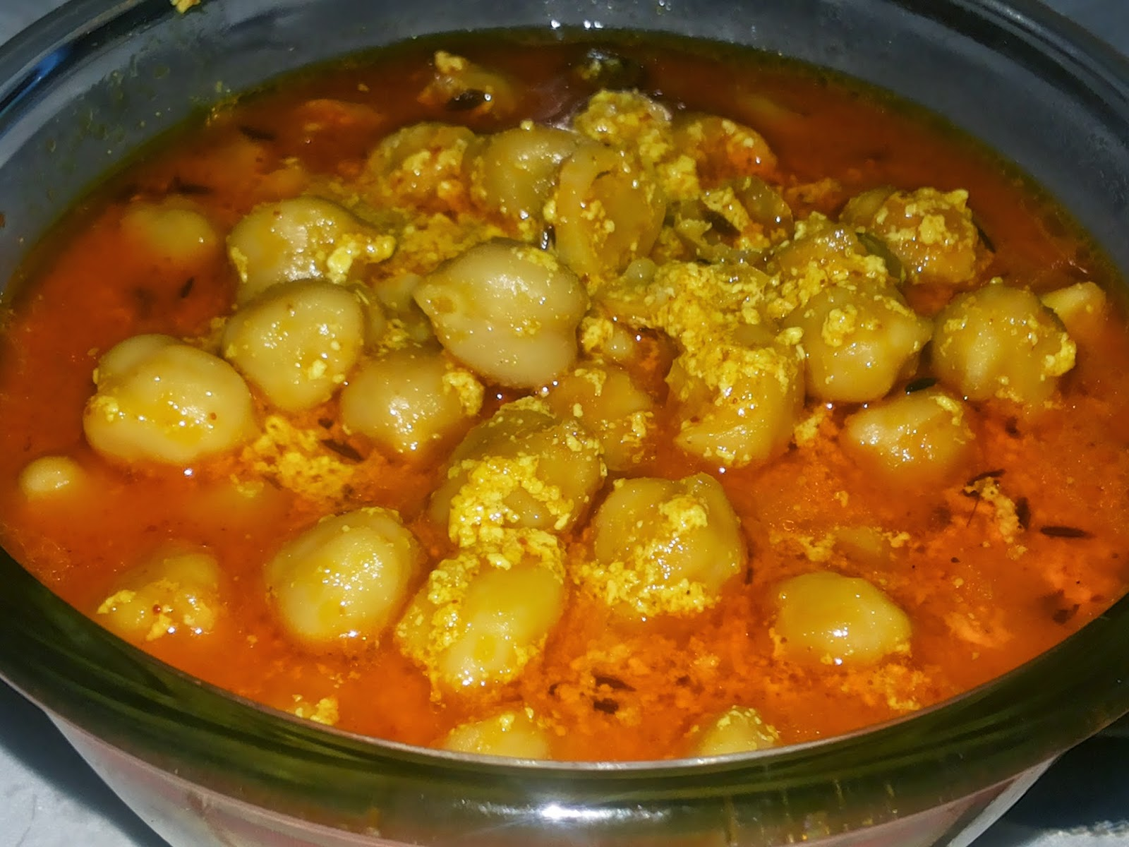 Chana madra indranis kitchen flavours so there isnt any story preceding my recipe today just that i chanced upon this recipe on the programme chakh le india on ndtv good times and further read forumfinder Gallery