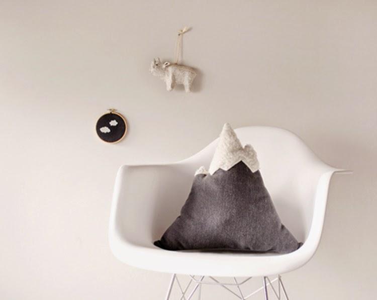 Design Sponge Throw Pillows : DIY Monday # Cushion - Ohoh Blog