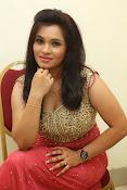 Revathi Chowdary sizzling Photos-thumbnail-17