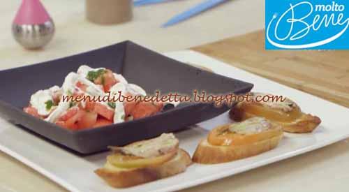 Insalata di anguria e crostini saporiti ricetta Parodi per Molto Bene su Real Time