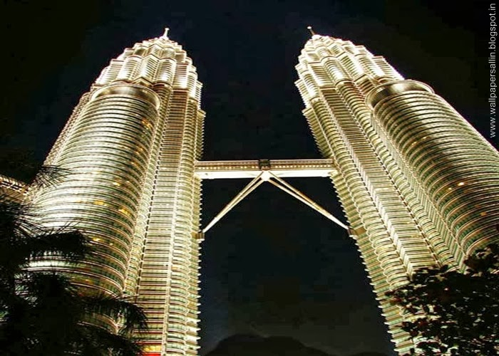 petronas tower in night