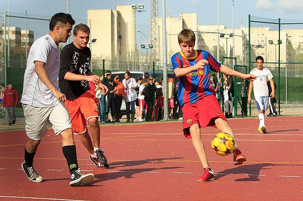 justin bieber playing soccer in madrid. pick-up soccer in Madrid.