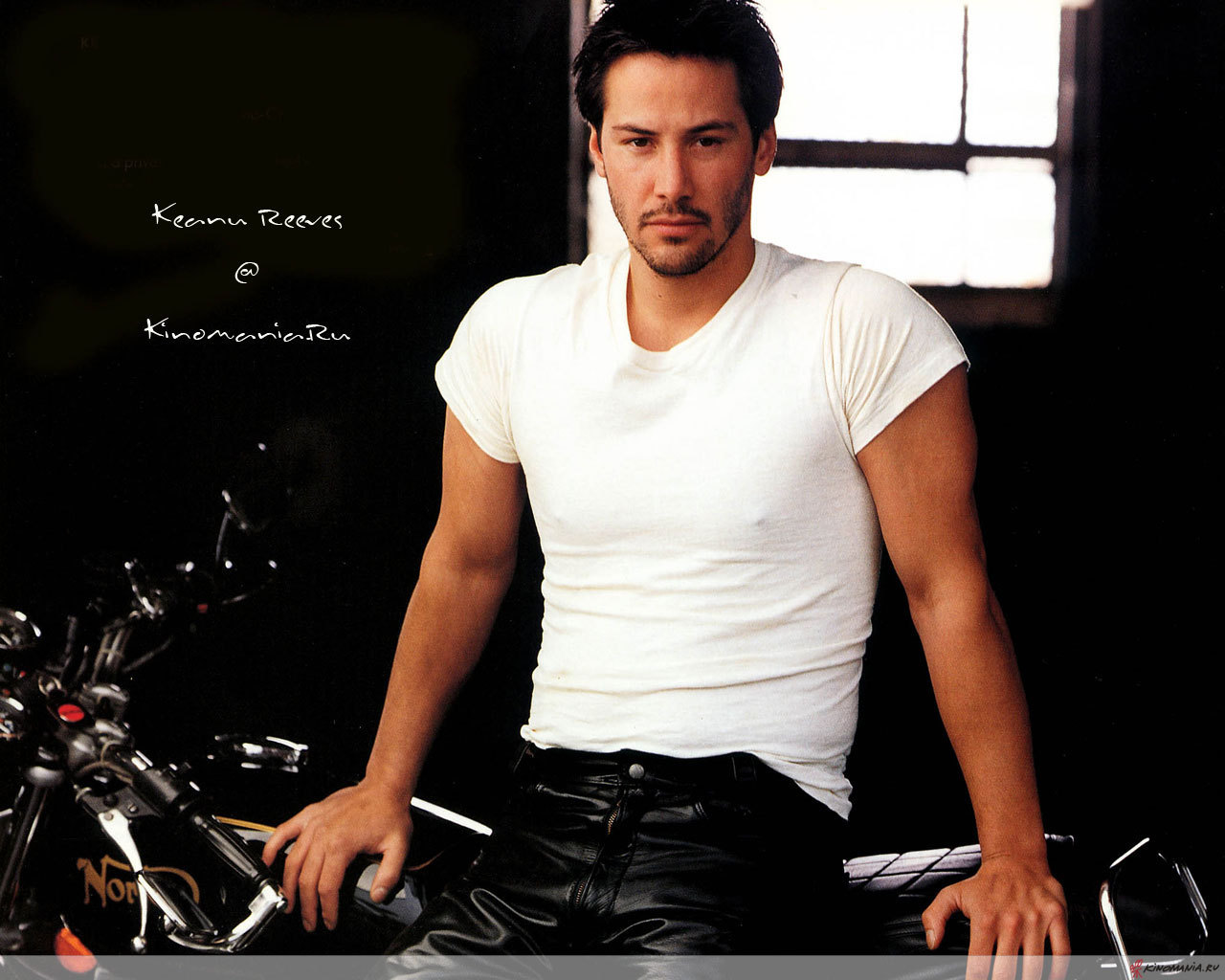 http://2.bp.blogspot.com/-EOw0UJeGry4/T_xchH8cN0I/AAAAAAAAMYg/Uc7EsMklrr0/s1600/Keanu-Reeves-keanu-reeves-24-1280-1024.jpg