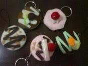 Gantungan Kunci dan Strap HP Berbentuk Donut