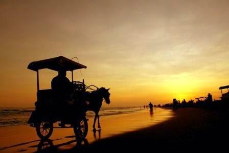 Pantai Parang tritis - wisata alam di yagyakarta