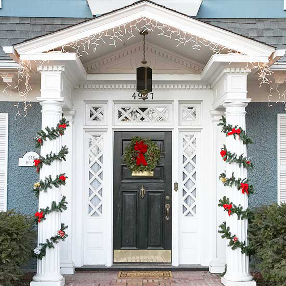Life and love front door holiday decor for Front door entrance ideas
