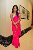Anasuya dazzling saree photos-thumbnail-17