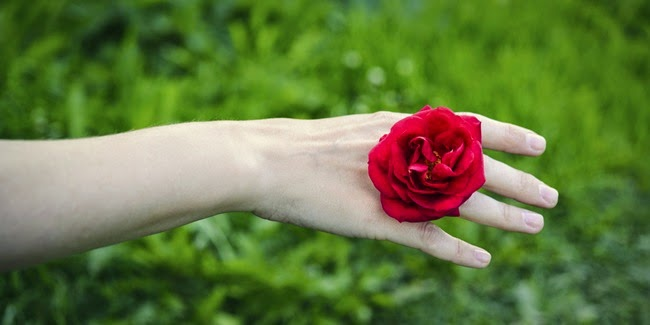 Cantik : Tips Membuat  Tangan Halus dan Lembut