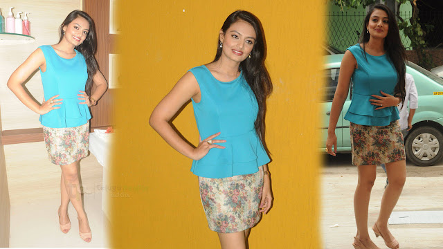 Nikitha Narayan Latest HD images At Naturals Family Salon and Spa Launch