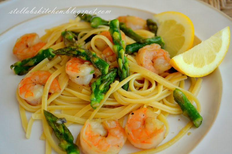 Stella B's Kitchen: Shrimp Scampi with Pan Roasted Asparagus ...