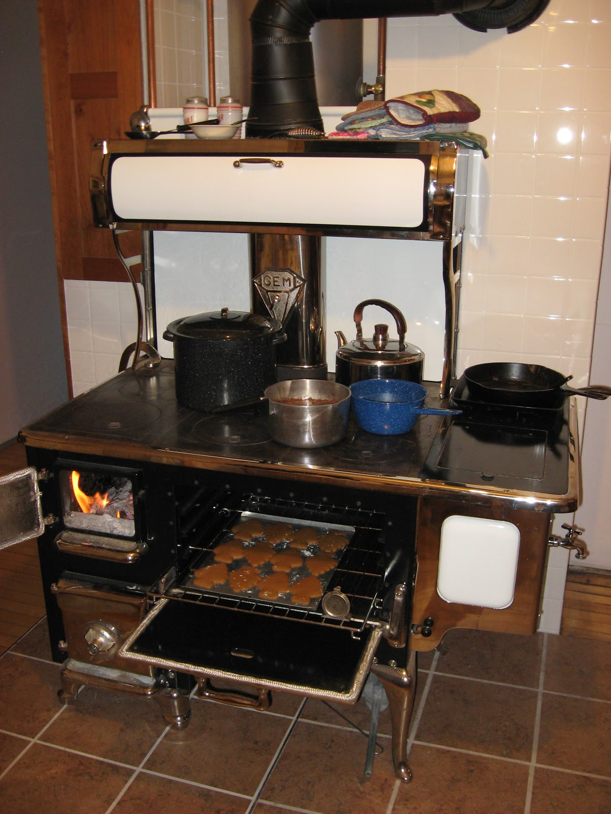 Wood Cookstove Cooking December 2012