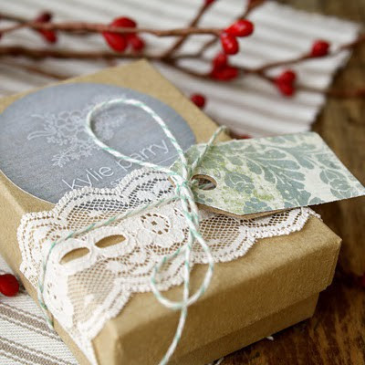 Crafty craft fairs 16 creative gift wrapping ideas source fashion through travel negle Gallery