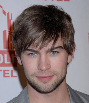 CHACE CRAFORD LAYERED HAIRSTYLE