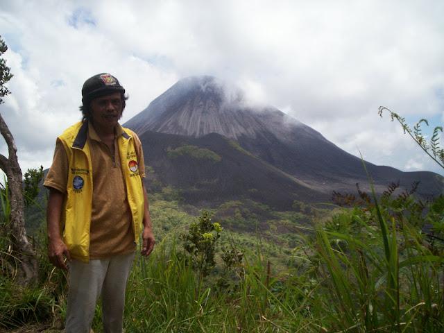 soputan volcano guide