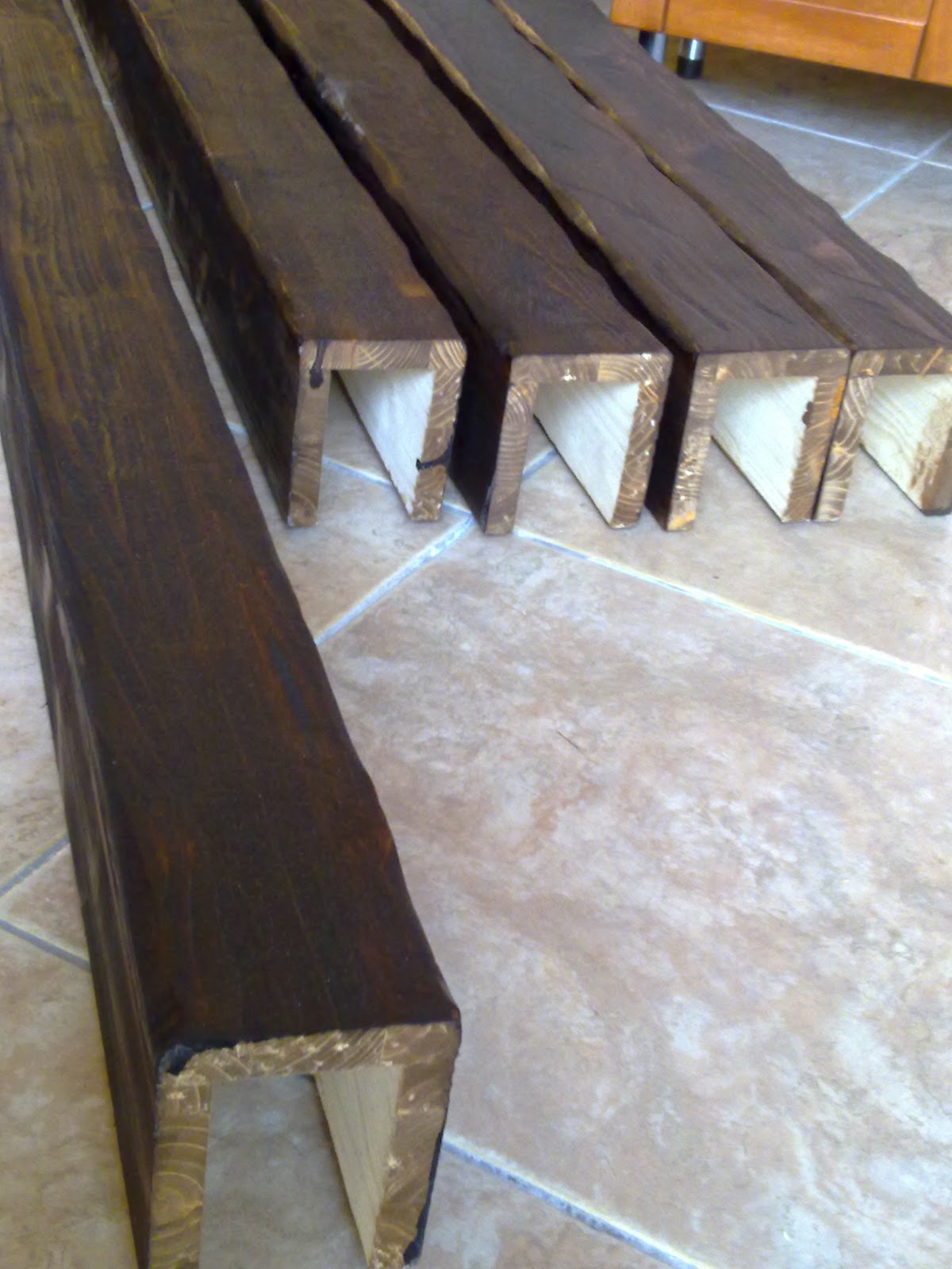 Fai da te hobby legno finte travi for Finte travi legno
