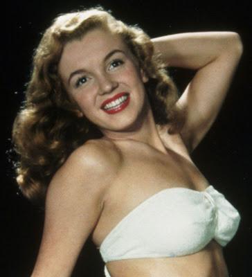 Marilyn Monroe é capa da Playboy da edição de Dezembro