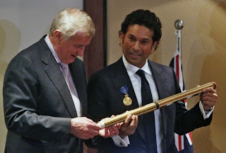 Sachin-Tendulkar-and-Simon-Crean-The-Order-of-Australia