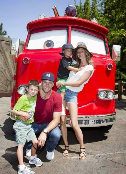 Tom Brady e Gisele Bündchen - 60 anos da Disney Land