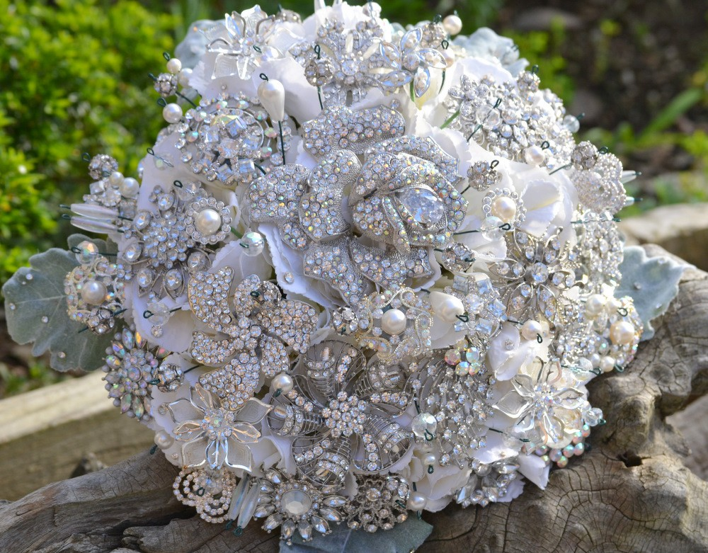 Bridal Flowers With Bling : Style bouquets bridal bling
