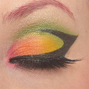 http://oli-rockyourstyle.blogspot.de/2014/07/monday-make-up-madness-vorher-nacher.html