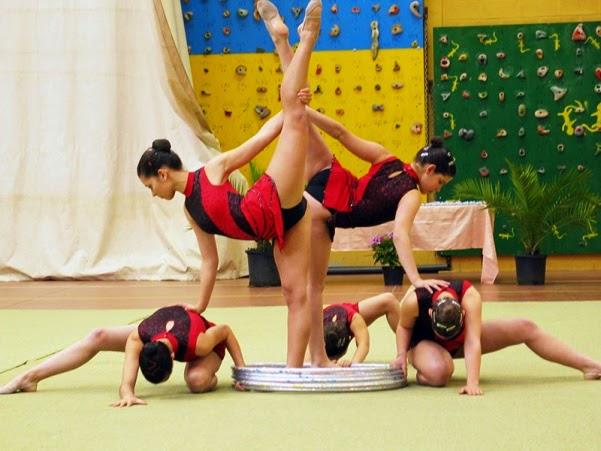 Un espacio para todo gimnasia a manos libres ejercicios for Deportes de gimnasia