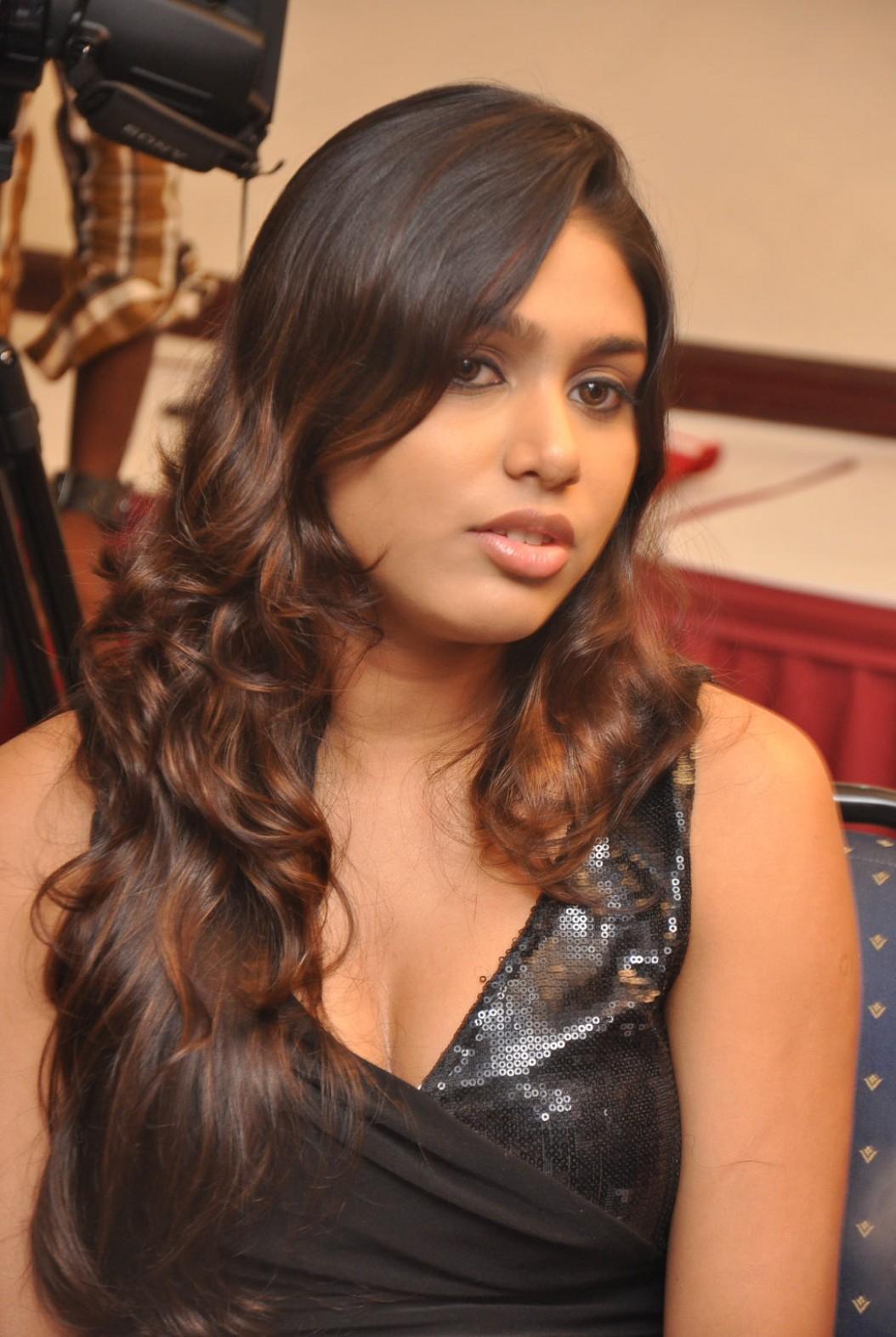 Actress manisha yadav manisha yadav in black dress manisha hot