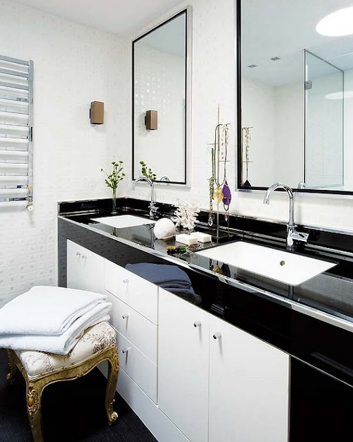 Luxury Elegant Bathroom Apartment Design Photo