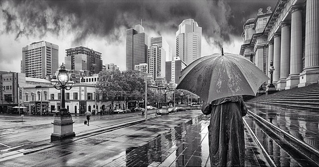 13-The-Farewell-Adrian-Donoghue-Photographs-from-the-point-of-view-of-the-viewer-www-designstack-co