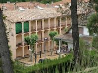 Detall dels edificis dels obrers de Viladomiu Vell