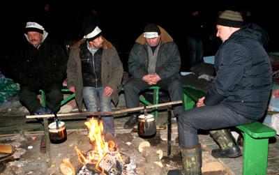 Фото Укринформ: голодающие в Донецке