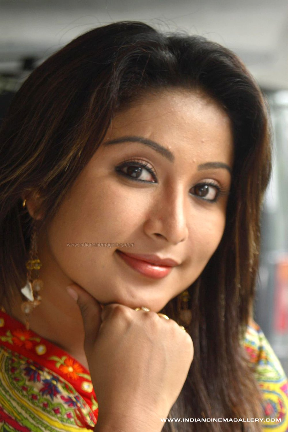 download malayalam serial actress archan
