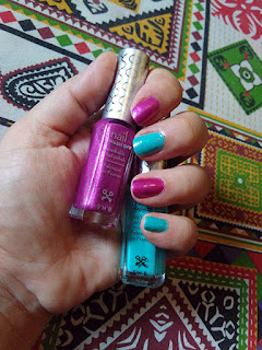 S'N'B Wash of nail colors Review, Le Blue Jean 1981 and Moulin Rouge 2103, Wash off nail polish, chemical free nail polish, toxin free, makeup, nails, paint your nails, snails, nail polish for kids, beauty, beauty blog, beauty blog of pakistan, top blog in Pakistan,