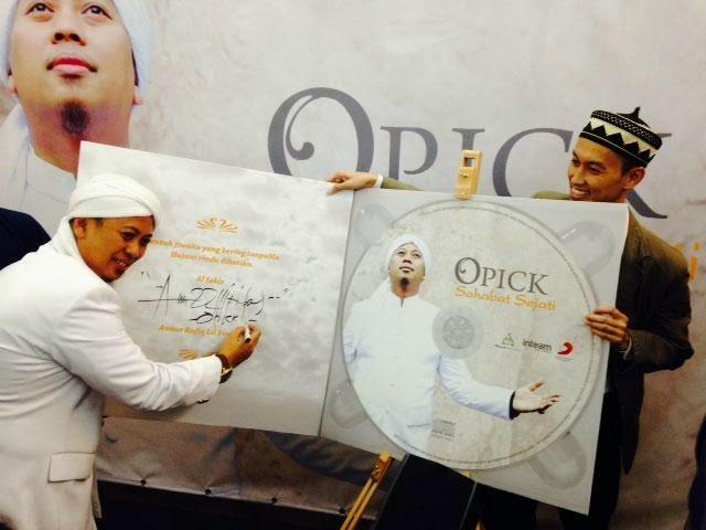 Penyanyi Indonesia, Opick Mampu Sara 24 Orang Anak?