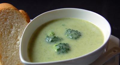 حساء البروكلي