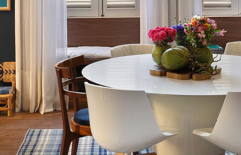 Como fazer um arranjo de mesa lindo e fácil!