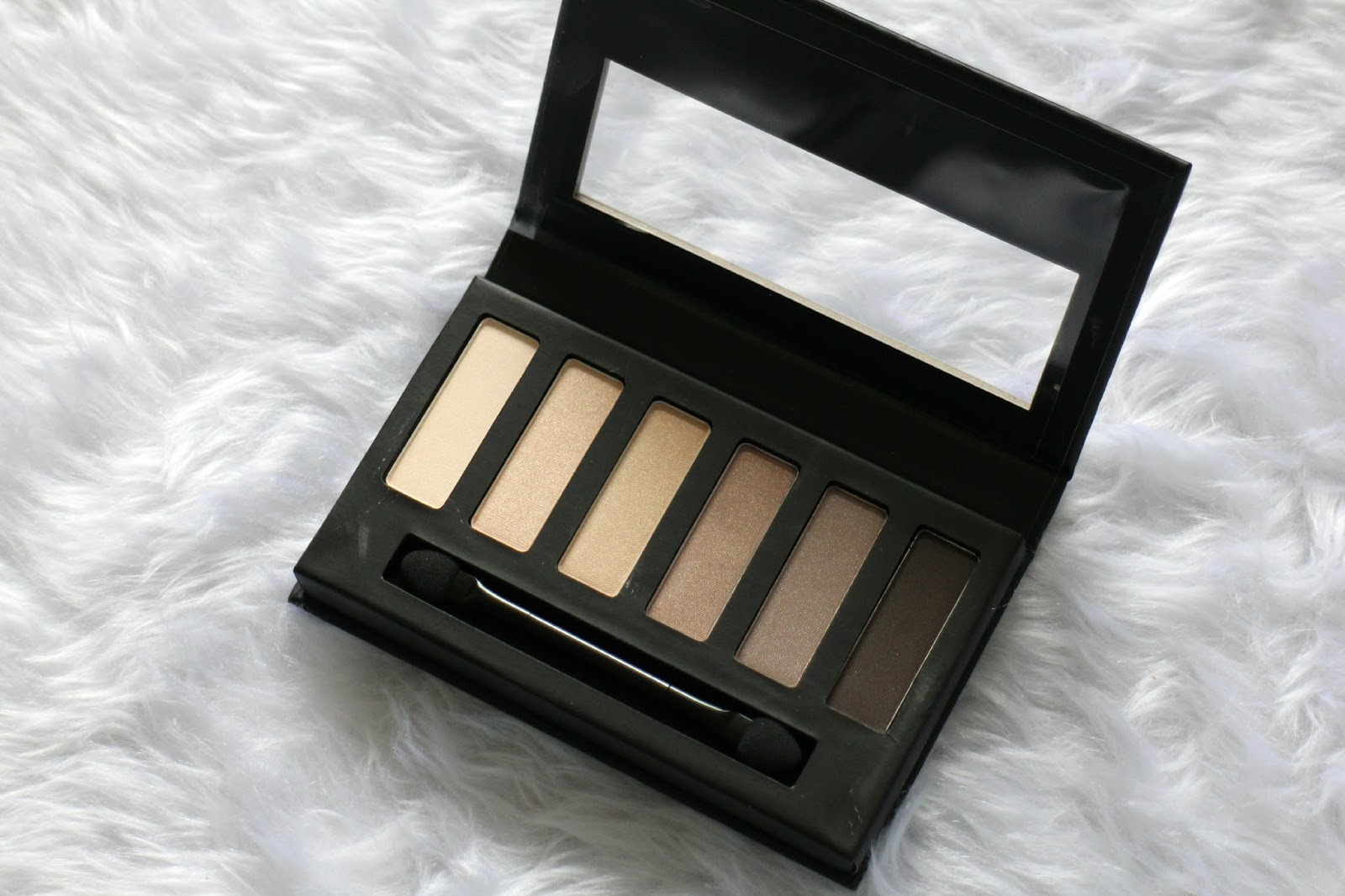 Collection Eyes Uncovered Nude