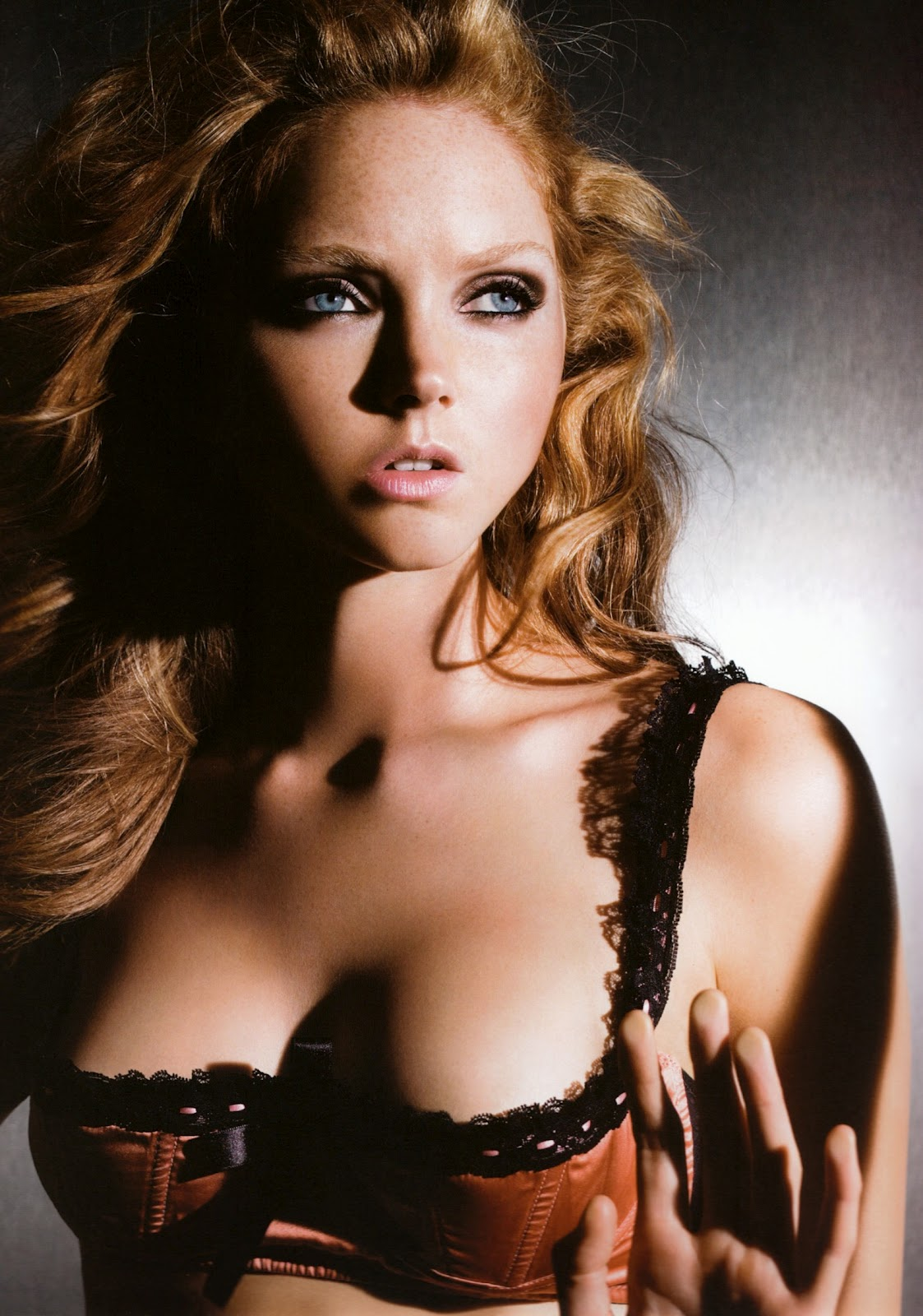http://2.bp.blogspot.com/-ESCj-aDYIIE/UCvaAkIRGQI/AAAAAAAABnY/uTCwglTNIUs/s1600/Lily-Cole-2.jpg
