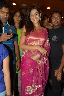 sweet Genelia hot in pink saree