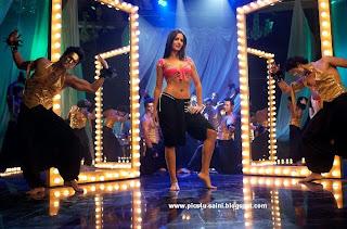 Katrina's Sheila Ki Jawani brings crowds