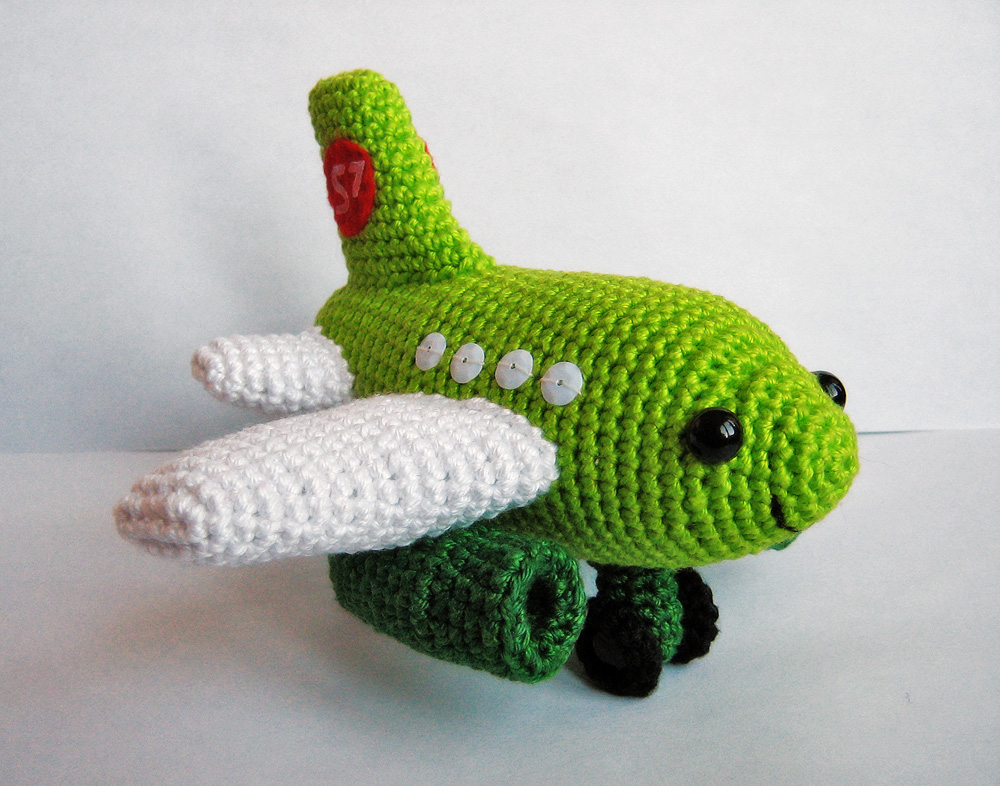 Crocheting On A Plane : Anna Vozikas Blog: Small Plane Crochet PDF Pattern