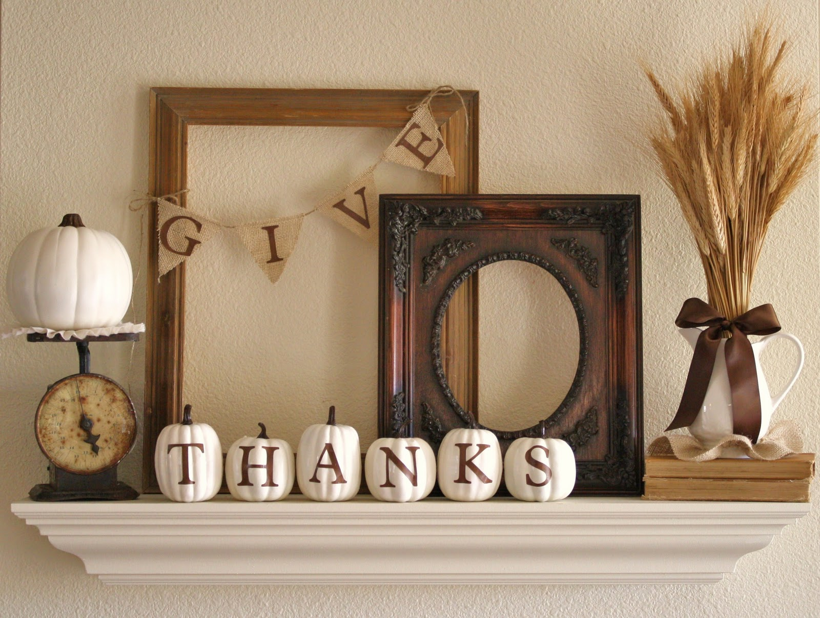 Dishfunctional designs giving thanks thankful decor for Thanksgiving home decorations ideas