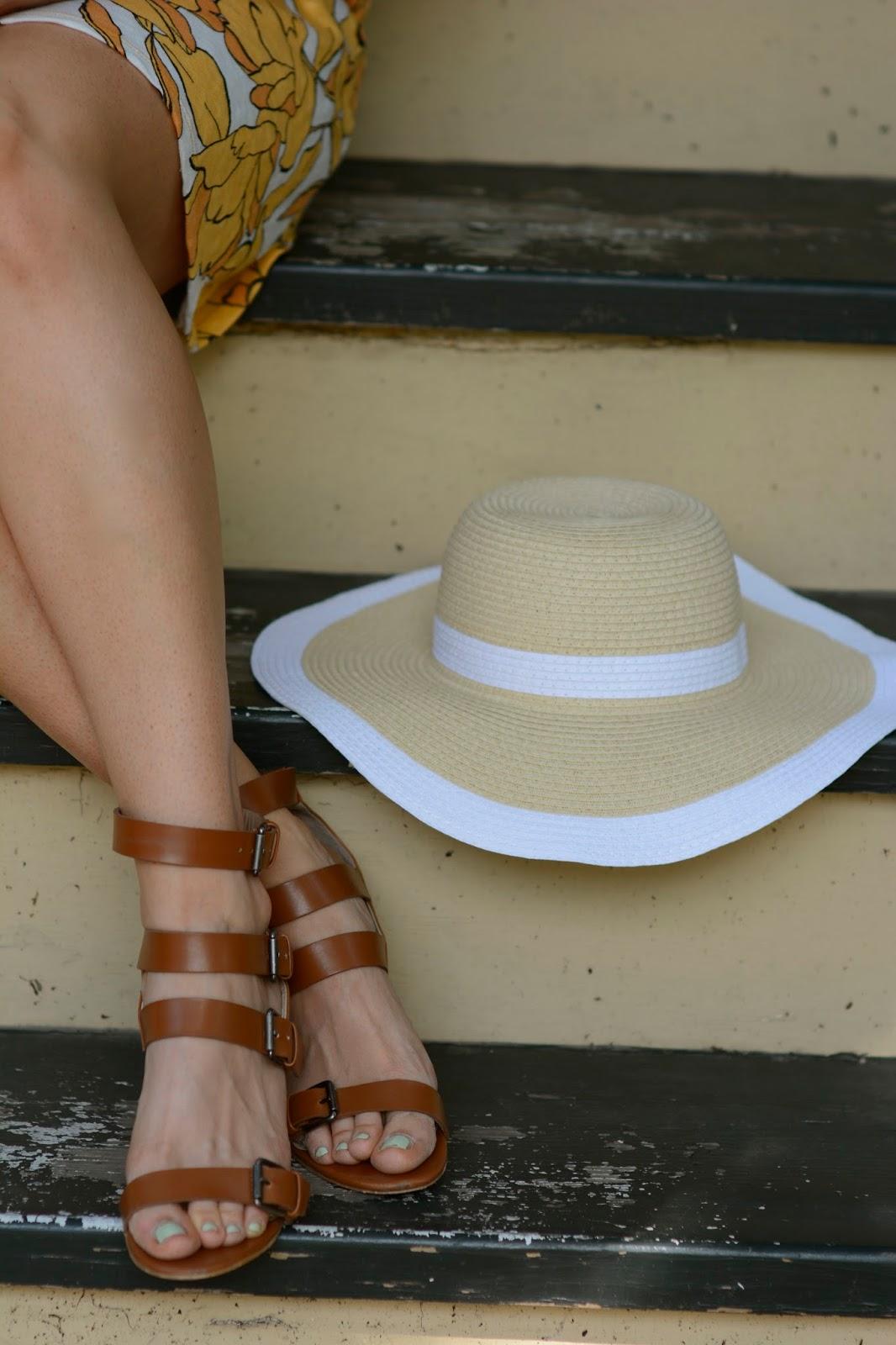 wide, brim, floppy, hat, sun