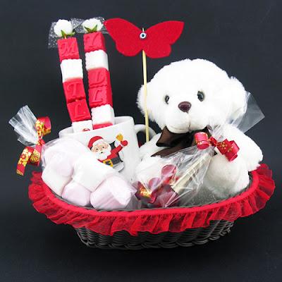 sevgiliye güzel yılbaşı hediye sepetleri
