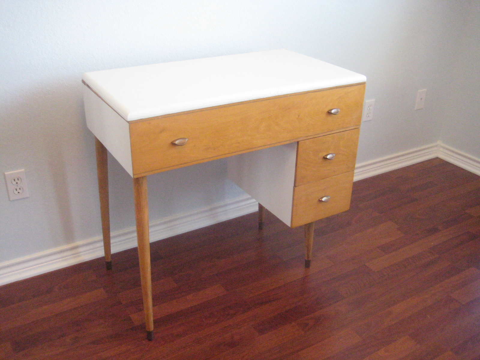 Adventures In Creating: Mid Century Sewing Table Turned Modern Desk