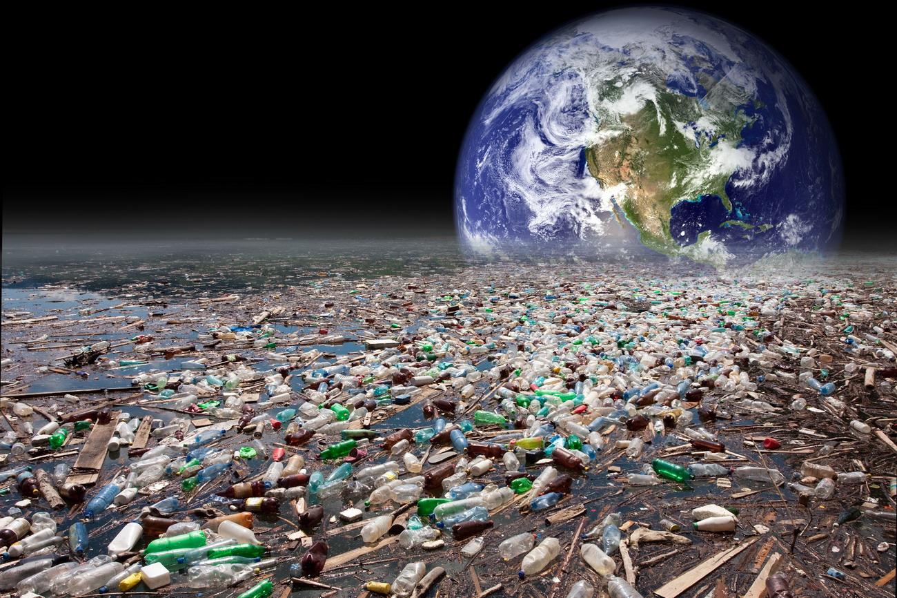... orgánica, cuya descomposición produce la desoxigenación del agua
