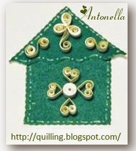 Birdhouse of Love Quilled with lots of hearts from Antonella at www.quilling.blogspot.com  #Quilled #Quilling #birdhouse #birds #Christmas