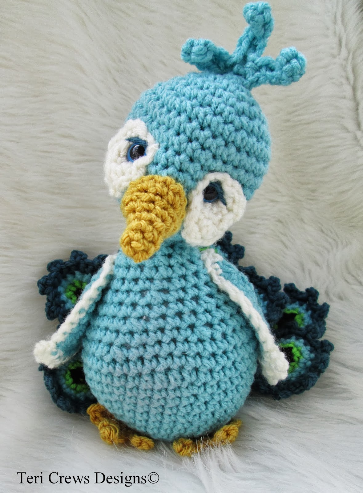 Teris Blog: New Simply Cute Peacock Crochet Pattern