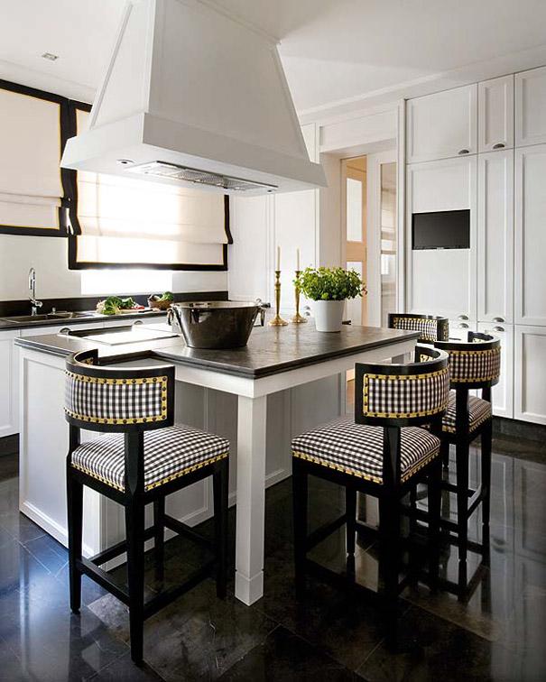 Eclecchic una vivienda de portada pablo paniagua for 4 seat kitchen island
