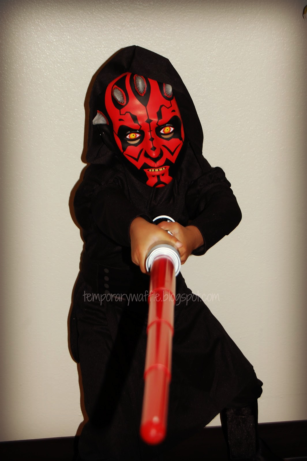 Star Wars Darth Maul Costume Review!! & Temporary Waffle: Star Wars Darth Maul Costume Review!!